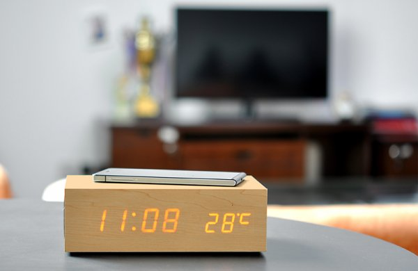 Wireless charging wooden led clock