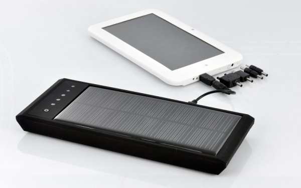 12000mAh High Capacity Solar Charger and Battery