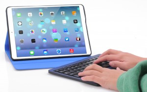 iPad Air, Bluetooth Leather Case + Detachable Keyboard